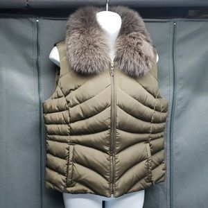 Removable fox collar down and feather vest